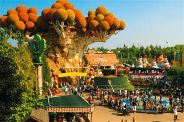 世界十大最大的游乐场 第九过山车很刺激,乐天世界是城中之城