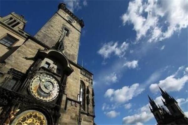 世界十大最著名的时钟塔楼 大本钟居榜首,第五一定要去