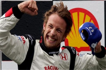 世界十大赛车手 莱科宁上榜,第三位精通好几国语言