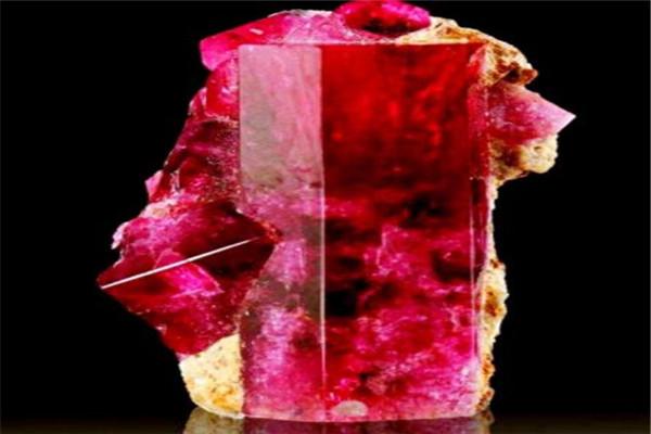 世界最名贵的十大宝石 塔菲石极其罕见,有钱也不一定买得到