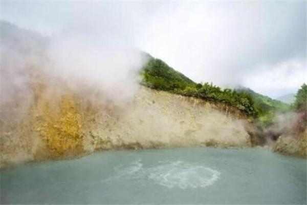 世界十大最奇特的湖泊 死海上榜,沸湖底下像有炉子在加热