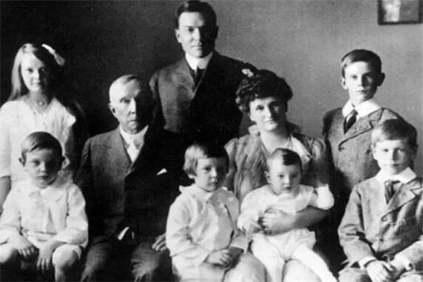 世界十大神秘家族 迪斯尼家族上榜,第五鼎盛时期能翻云覆雨