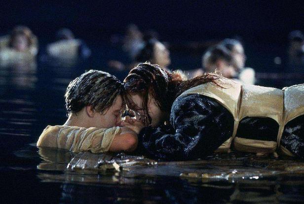世界十大催泪爱情电影 泰坦尼克号仅排第二,恋空上榜