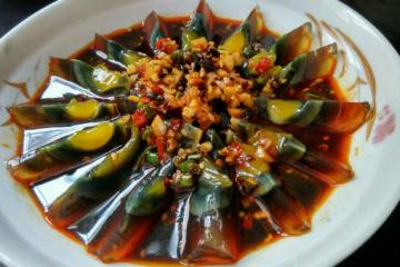 世界最难吃的十大食物 皮蛋上榜,鲱鱼罐头又臭又难吃