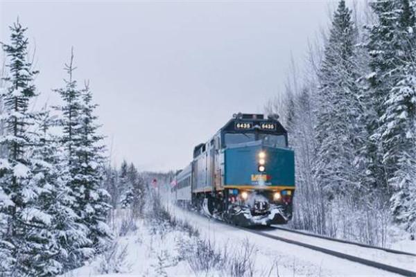 世界最令人向往的十大顶级火车 一辈子一定要坐一次