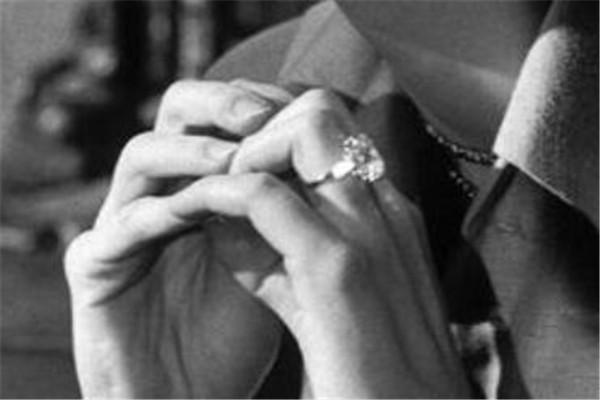 世界十大最昂贵的订婚戒指 第八颗重33.19克拉
