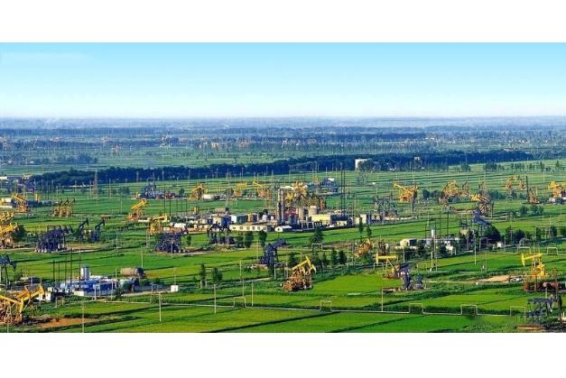 世界十大油田 中国无一上榜,第一名年产2.8亿吨