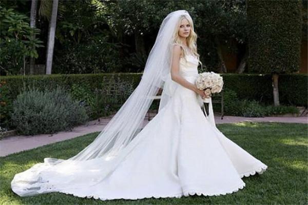 世界十大婚纱 Pronovias深得欧洲皇室青睐,第二个你一定知道