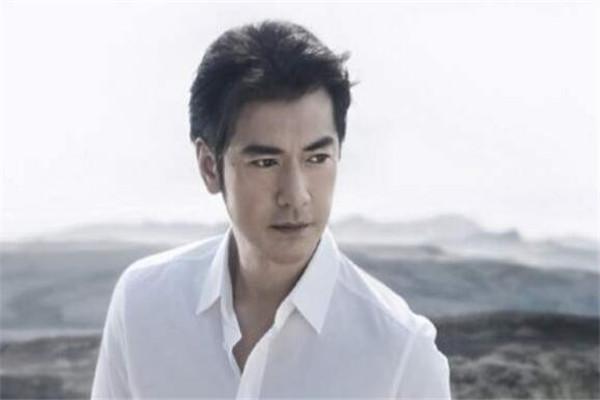 世界最美的十大男星 吴彦祖上榜,哪一位是你的男神呢