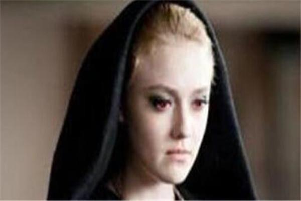 世界十大吸血鬼 侍女安普莎上榜,第三你或许认识