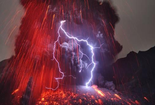 世界十大罕见怪异现象 诡异又震撼,这些现象你见过吗