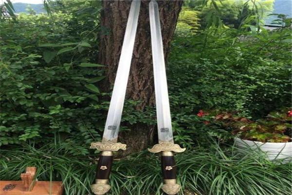 世界十大诡异妖刀 日本十握剑上榜,血琥珀外形很像手枪