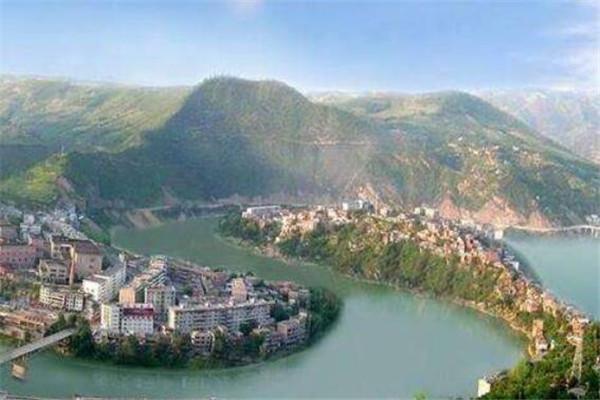 全国十大最美县城 秋天一定要去稻城县,第六应在你的计划之中