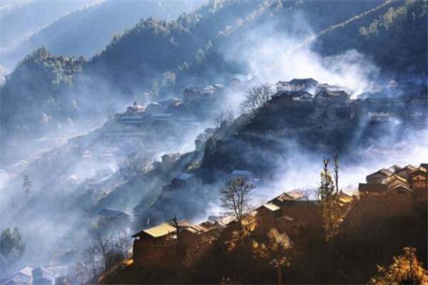 云南十大小县城 新平县有37种矿产资源,最后一个你一定知道