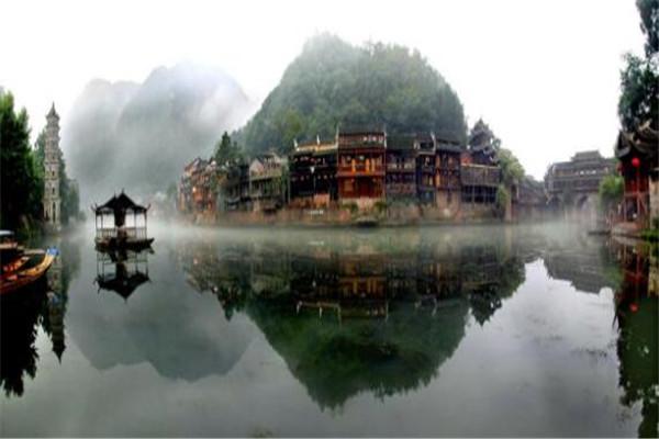 十大最美县城 旬阳县上榜,稻城县的绝美风光绝不可错过