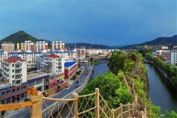 吉林省十大攻略东丰县上榜,安图县是矿泉水之乡的史上a攻略最100道门县城图片