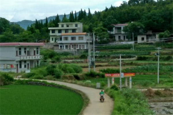 湖南十大贫困县城 花垣县为有色金属之乡,榜首是革命老区