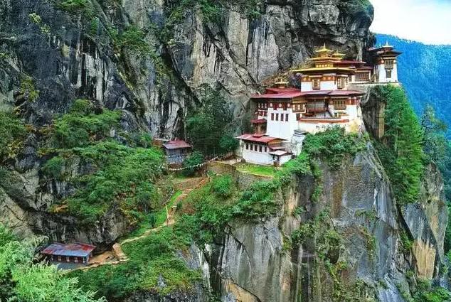 世界最不稳定的十大建筑 第一来自中国,屹立1500年不倒