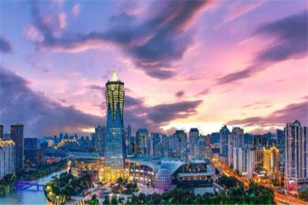 中国一生必须去的城市 成都的美食,桂林的山水你都感受过吗
