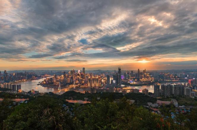 中国城市GDP排名top100 上海高居榜首,GDP突破32679亿元