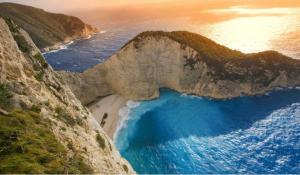 全球十大最美海灘排行榜:諾曼底的奧馬哈海灘上榜,第一來自希臘