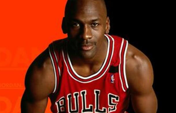 nba官方历史前二十巨星:迈克尔·乔丹排名第一,比尔·拉塞尔第三