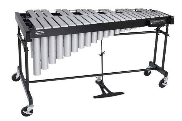 颤音琴英文名vibraphone,是1922年一位乐器制造商发明的,颤音琴