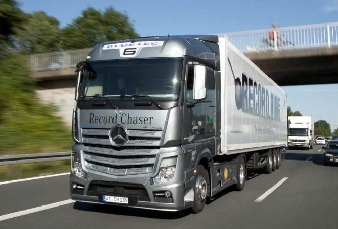 全球十大重卡排行榜 奔驰卡车排第三,第一被称为卡车之神