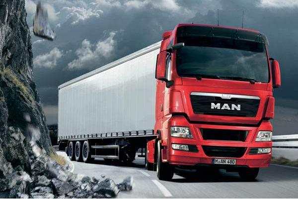 重型卡车是现代生活中经常能够看到的一种车型,主要被用作专用车,比如消防车、洒水车、油罐车以及搅拌车等,这些都是重型卡车。那么今天排行榜网小编就来为大家盘点全球十大重卡,感兴趣的小伙伴快来看看吧。    全球十大重卡:    1、斯堪尼亚    2、沃尔沃    3、奔驰卡车    4、德国曼    5、雷诺卡车    6、达夫    7、五十铃    8、日野    9、TATRA    10、依维柯    1、斯堪尼亚    详细介绍:斯堪尼亚创立于1900年,是一个有着一百多年历史的卡车制造商,专注于巴士、卡车、重型卡车等系列车型的研发,其产品光销全球一百多个过埃及和地区,并以领先的技术成为了行业的领导者。    2、沃尔沃    详细介绍:沃尔沃诞生于1928年,是目前世界上最畅享的卡车品牌之一,上世纪在法国、美国以及德国等国家就有着很大的印象概念股里,如今产品影响力更大,销往全球各地。    3、奔驰卡车    详细介绍:奔驰是大家非常熟悉的汽车品牌,旗下的车型种类也非常繁多,其中重型卡车也是奔驰很注重的领域,以动力性、耐久性和安全性著称,精湛的工艺和品质也得到了业内的认可。    4、德国曼    详细介绍:德国曼公司创立于1785年,是目前世界上最古老的卡车制造商之一,业务遍布全球120个国家和地区,在车辆、工业服务以及发动机等领域都有着出色的表现。    5、雷诺卡车    详细介绍:雷诺卡车是沃尔沃集团旗下的品牌,专注于现代重型卡车的研发,凭借专业化的制造模式和稳定的经营,连续多年在欧洲实用车销量榜单上高居首位,其市场占有率也是逐步攀升。    6、达夫    详细介绍:达夫是一个源自欧洲的汽车制造商,专注于现代客车、卡车、重型卡车等系列车型的设计,在欧洲市场上可以称作是巨头一般的存在,销量以及市场份额高居前列。    7、五十铃    详细介绍:五十铃汽车公司诞生于1916年,最早企业是以造船起家,直至1922年才专心汽车行业,现如今以重型、轻型货车、轿车等作为主营系列,产品深受全球消费者的喜爱和信赖。    8、日野    详细介绍:日野是一个源自日本的汽车公司,总部位于日本东京,企业专注于现代柴油卡车、公共汽车和其它车辆的制造,在商用车领驭也是非常有影响力的。    9、TATRA    详细介绍:TATRA公司是世界著名的重型载货车生产企业,成立于1850年,有着悠久的汽车生产历史,总部位于捷克共和国的Koprivece市,公司在许多领域取得了举世瞩目的成就。    10、依维柯    详细介绍:依维柯是意大利菲亚特车厂属下的公司之一,成立于1975年,专门生产卡车等商用车辆,总部设于意大利北部城市杜林。