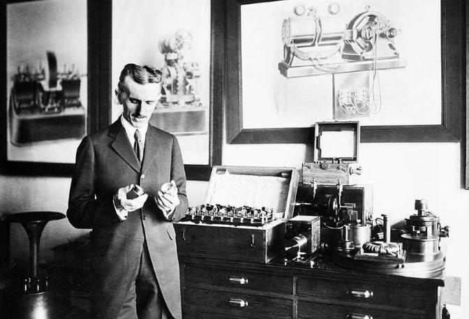 全球十大智商人物排行榜 爱因斯坦高居榜首,爱迪生只能排第八