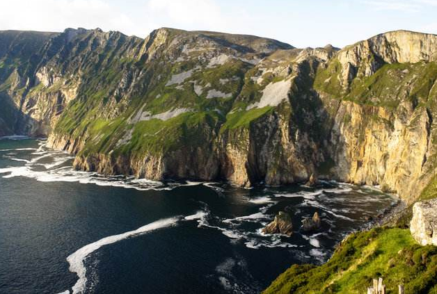 全球十大悬崖步道排行榜 中国上榜三处,每一个都超惊险