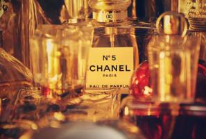 世界十大著名香水品牌:嬌蘭上榜,它的原材料最精良