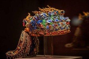 全國十大鎮館之寶 第一孝敬皇后鳳冠工藝精湛極致奢華