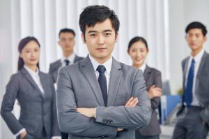 中国十大隐形高薪行业:入殓师上榜,它的工作很享受