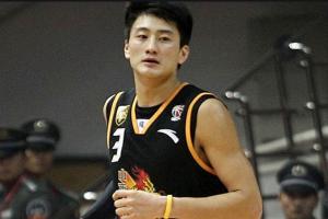 韓國三級片大全目前年薪最高的籃球運動員 易建聯第一真正門面支柱