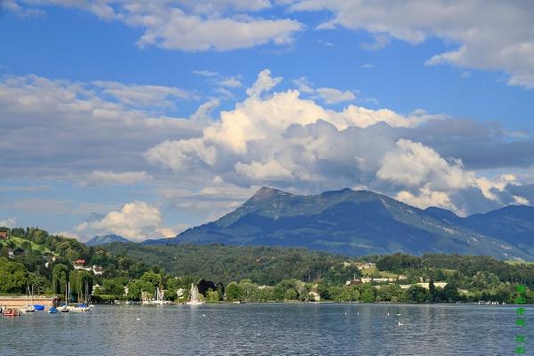 瑞士十大最受欢迎的景点:少女峰上榜,它是为纪念战士而建