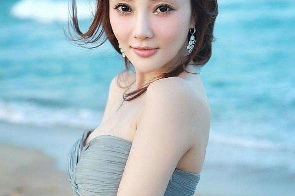 中国胸部最美的十大女明星