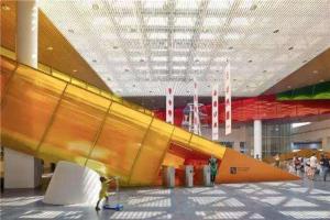 郑州五大贵族学校 加拿大枫叶小熊幼儿园采用外教教学
