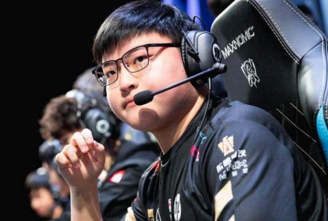 在线中文字幕亚洲日韩最强薇恩排行榜 UZI只能拍第二,第三为冠军皮肤拥有者