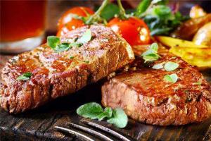 英國旅遊必吃的特色美食:牛排配红酒,下午茶甜点必须有