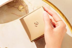 日韩在线旡码免费视频口碑底妆产品排行榜 轻盈底妆,塑造磨皮级美颜
