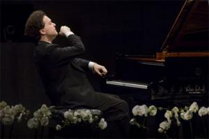世界十大钢琴大师:郎朗上榜,他最年轻