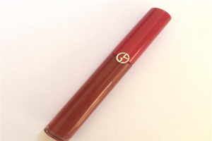 口红颜色排行榜前十名:YSL 416滋润,第一经常被卖断货