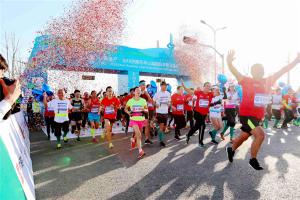 中国马拉松十大男运动员:胡刚军上榜,他是启跑者