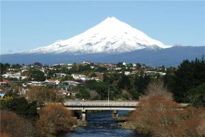 新西兰移民十大城市 皇后镇上榜第五新普利茅斯性价比高
