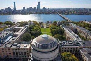 世界十大大学排行榜 帝国理工学院仅第九麻省理工学院登顶