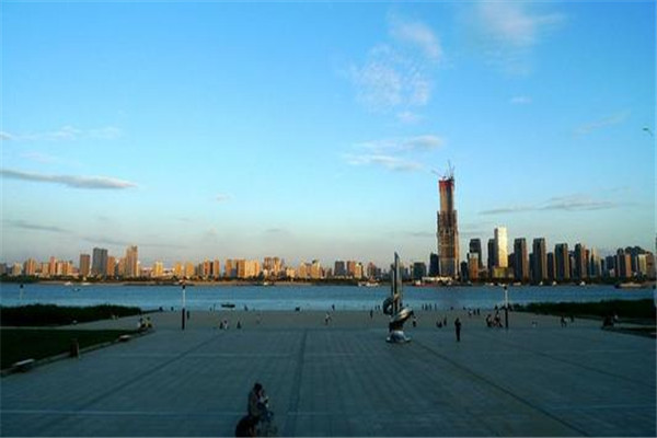 武汉十大公园广场排名:江滩上榜,第5外地游客必去
