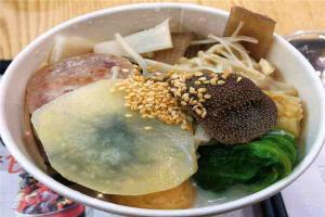 临沂十大美食店排行榜:表哥螺蛳粉上榜,Hai!茶第一