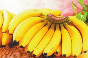 血糖高不易吃的十大水果:柿子上榜,水果之王位列其中