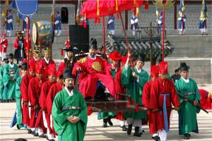韩国十大贵族姓氏盘点 金氏上榜,第二掌控着三星集团